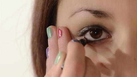 eyeliner Footage