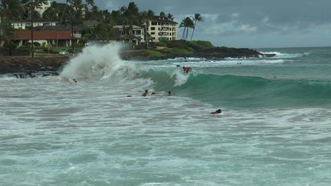 surfer in dramatic waves at poipu beach, kauai haw Footage