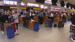 HD2008-12-10-26 Airport departures people line up Stock Video Footage