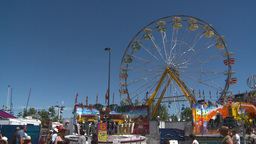 midway rides ferris Stock Video Footage