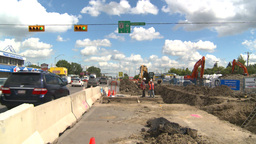 HD2008-7-7-9 traffic and road construction Stock Video Footage