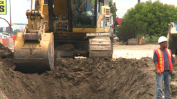 HD2008-7-7-19 backhoe trenching Footage
