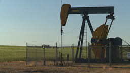 HD2008-7-14-31 evening pumpjack Footage