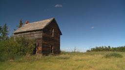 HD2008-7-16-43 abandoned farm house Stock Video Footage