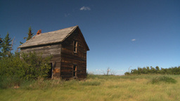 HD2008-7-16-43 abandoned farm house Stock Video Footage