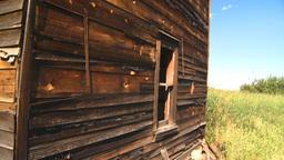 HD2008-7-16-51 abandoned farm house Stock Video Footage