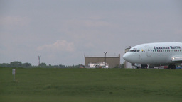 HD2008-6-1-24 B737 taxi Stock Video Footage