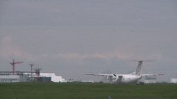 HD2008-6-1-30 Dash8 takeoff Footage