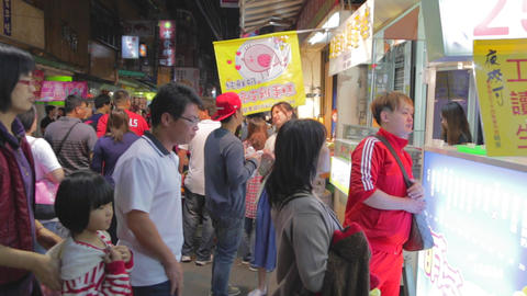 many people at fenjia night market in taichung 2 Live影片