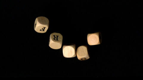 Frage dice falling together Stock Video Footage