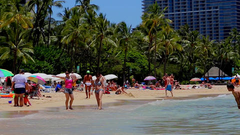 asian women walkon on waikiki beach Footage