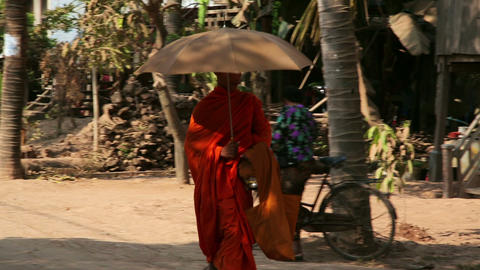 SILK ISLAND, CAMBODIA - MARCH 2014: buddhist monk Stock Video Footage