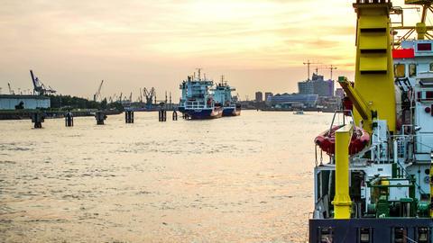 Hamburg Elbe River DSLR Dollyshot Timelapse Footage
