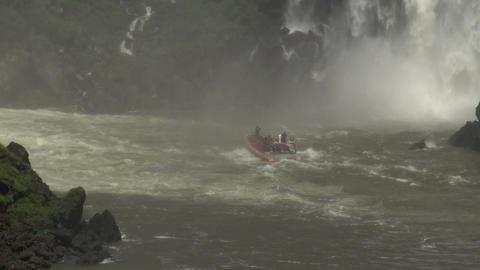 014 Iguazu waterfalls , big boat with tourists und Footage