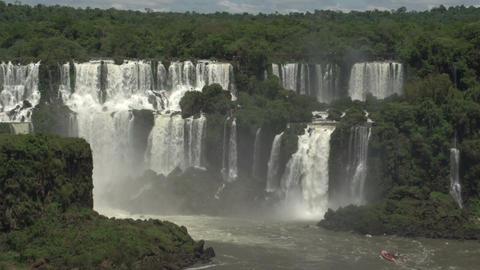 015 Iguazu waterfalls , big boat with tourists und Stock Video Footage