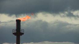 HD2008-6-7-18 TL gas flare Stock Video Footage