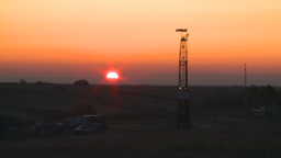 HD2008-10-3-2 sunrise oil rig Stock Video Footage