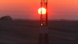 HD2008-10-3-4 sunrise oil rig Z Footage