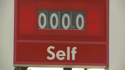 HD2008-9-1-40 gas stn 0 price Stock Video Footage