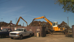 HD2008-9-3-26 metal recycler grapple Stock Video Footage