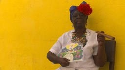 HD2009-4-4-17b Havana old woman and cigar Stock Video Footage