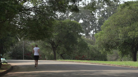 053 Sao Paulo , Ibirapuera park , runner , woman Stock Video Footage