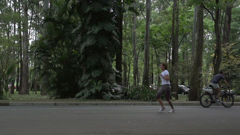 055 Sao Paulo , Ibirapuera park , slowmotion runne Stock Video Footage