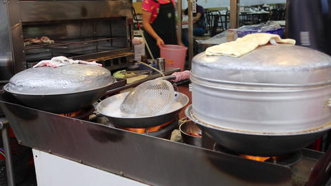 Cijin Island - Vendor cooking fresh seafood Stock Video Footage