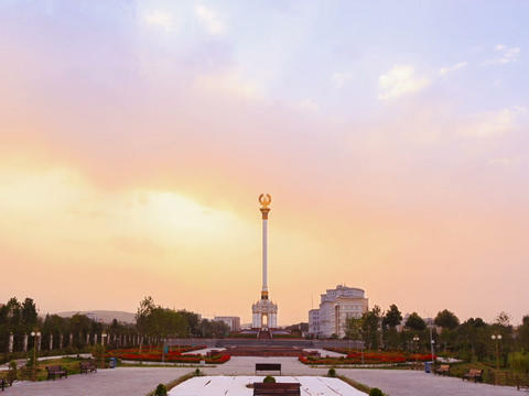 Stele with the emblem Tajikistan. Dushanbe. 640x48 Stock Video Footage