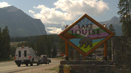 HD2009-8-1-3 lake Louise sign and glacier establish Stock Video Footage