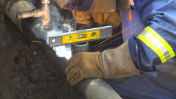 HD2009-8-20-11 gas pipe welding with level Footage
