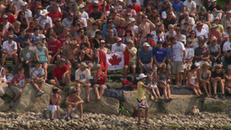 HD2009-8-23-23RC water ski crowd Stock Video Footage