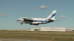 HD2009-8-43-1RC AN124 aircraft landing Stock Video Footage