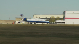 HD2009-8-43-5RC crj United exprerss taxi Stock Video Footage