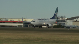 HD2009-8-43-9RC B737 taxi and turn Footage
