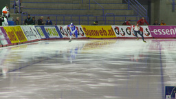 HD2009-12-1-5 Speed skating oval race follow Footage