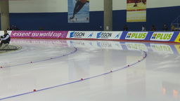 HD2009-12-1-11 Speed skating oval race corner Footage