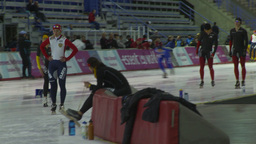 HD2009-12-1-53 Speed skaters practise corner Stock Video Footage
