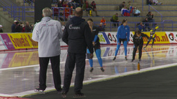 HD2009-12-1-67 Speed skating oval race follow Footage