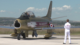 HD2009-7-10-34RC F86 sabre idle and shut down Footage