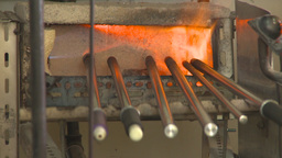 HD2009-6-32-6 glass blowing furnace 2sot Stock Video Footage