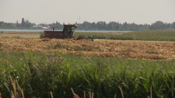 HD2009-9-41RC-10 combine haying rack F Stock Video Footage