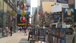 HD2008-8-19-18 Times square snap zooms Stock Video Footage