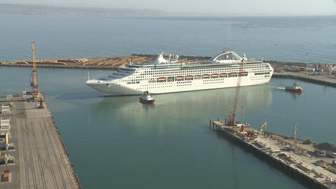 cruise ship turns time lapse Stock Video Footage