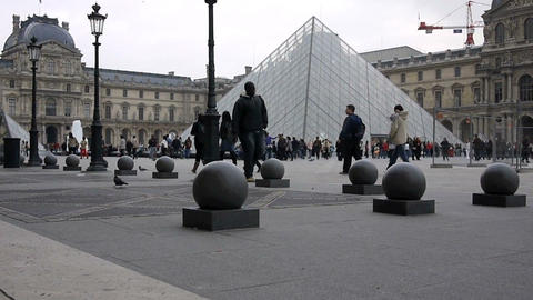 Louvre Footage