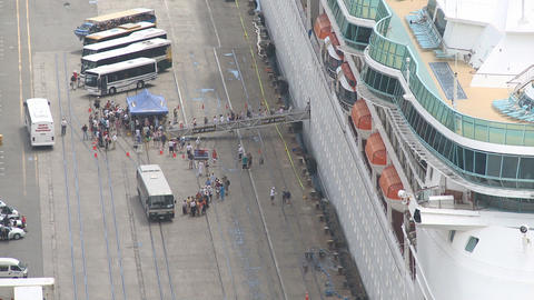 passengers disembark cruise ship time lapse Footage