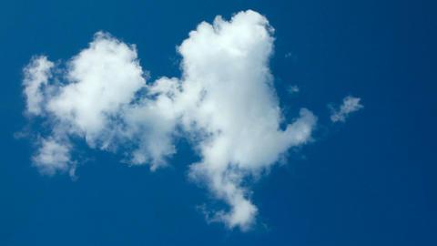 Dissolving cloud Stock Video Footage
