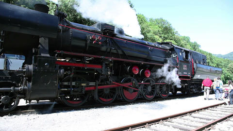 the old steam locomotive Live Action