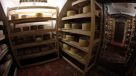 Storage for drying cheese Live Action