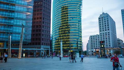 4K Berlin Potsdamer Platz in the evening - DSLR hy Footage